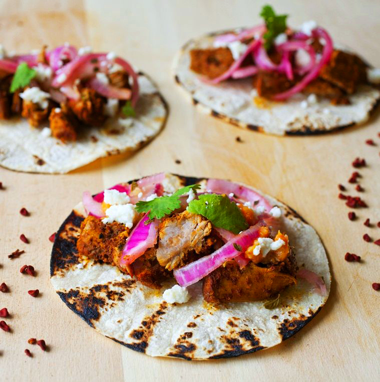 http://www.partial-ingredients.com/wp-content/uploads/2011/12/cochinita-pibil-tacos11.jpg