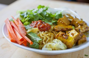 Rice noodle salad with lemongrass grilled tofu