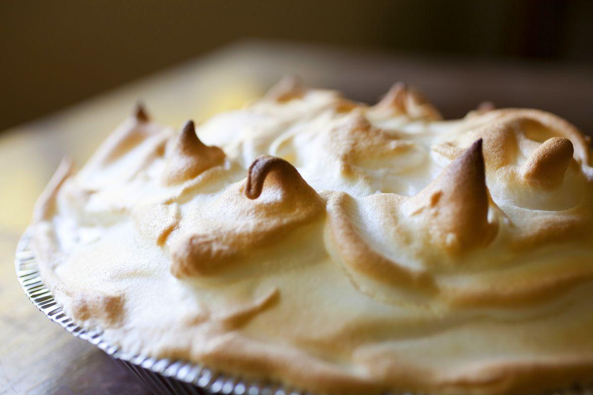 Lemon meringue pie with a graham cracker crust the for Lemon meringue pie with graham cracker crust