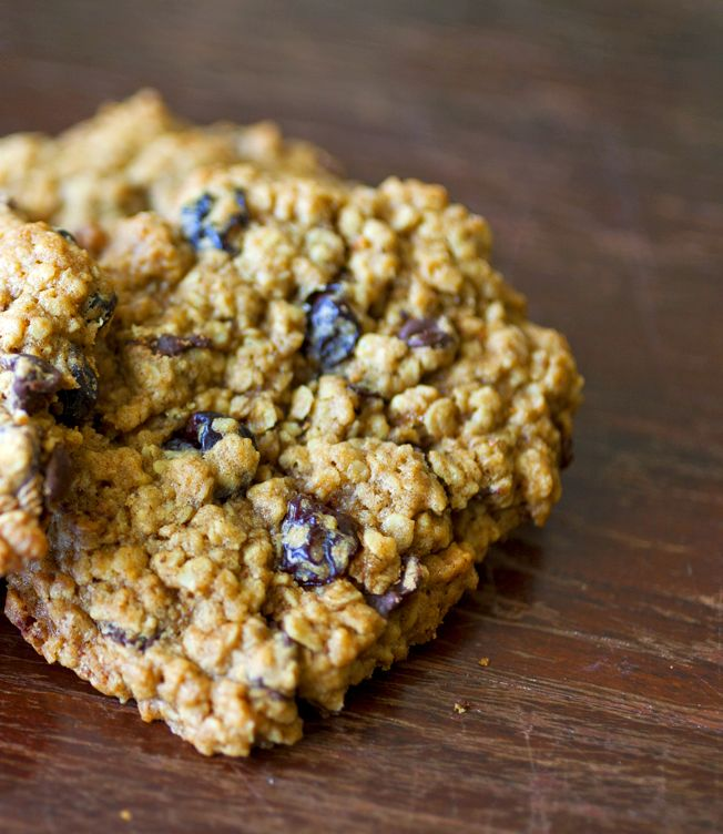 Cherry Chocolate Chip Oatmeal Cookies | The Partial Ingredients