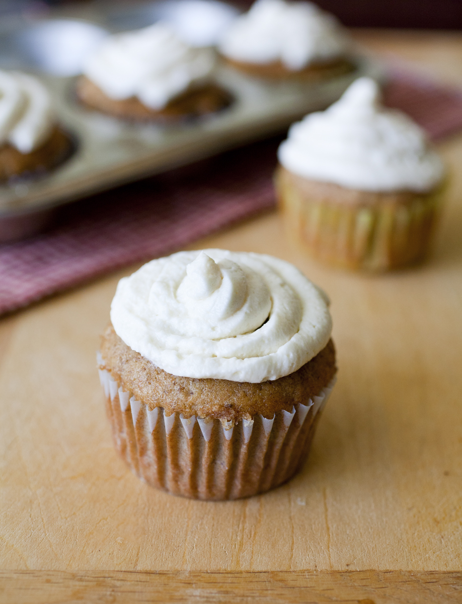 Banana Cupcakes with Cream Cheese Frosting 2